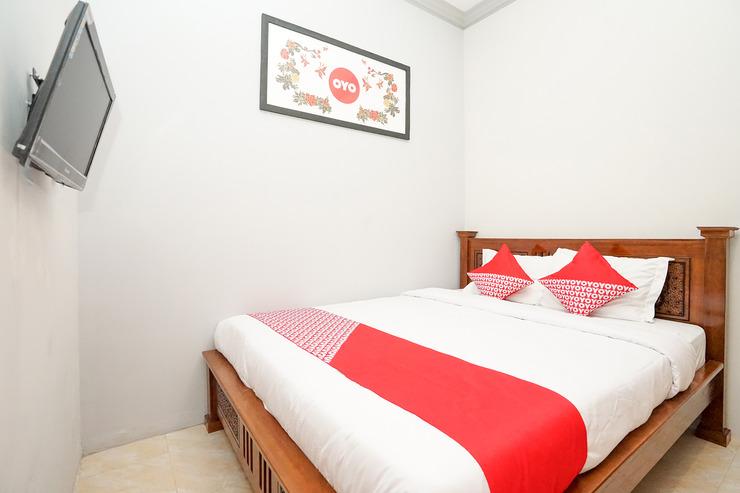 OYO 720 Griya Nina Syariah Surabaya - Guest Room