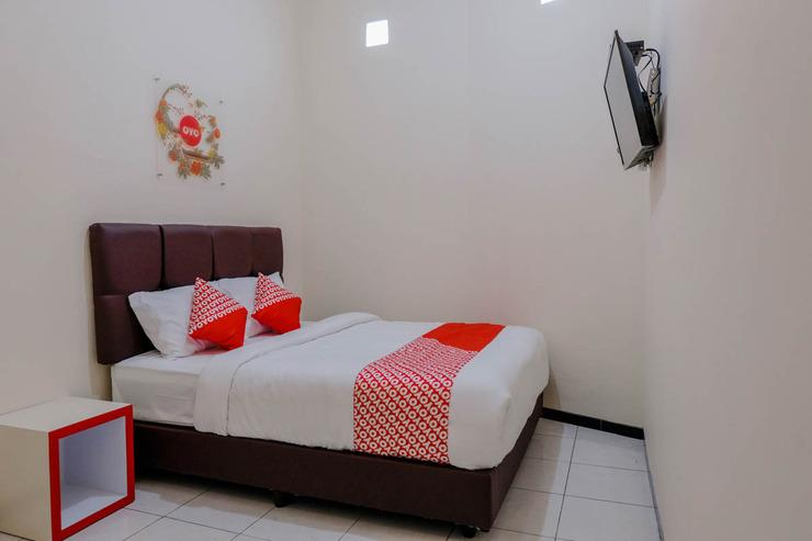 OYO 1288 Kepayon Family Residence Malang - Bedroom SD