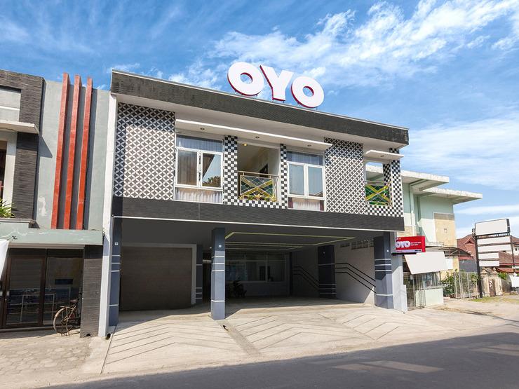OYO 1118 Artomoro Family Guesthouse Yogyakarta - Facade