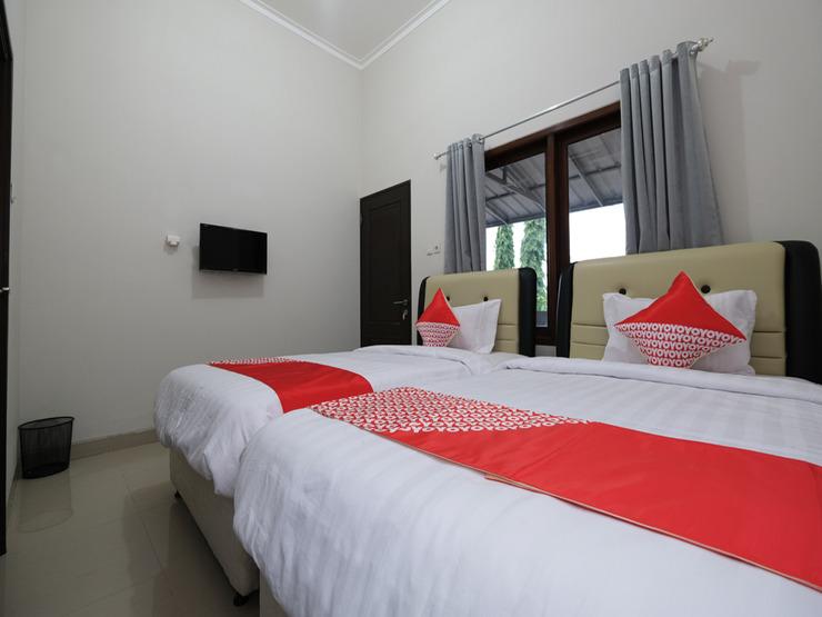 OYO 2231 D'kost Pangkalpinang - Deluxe Twin Bedroom