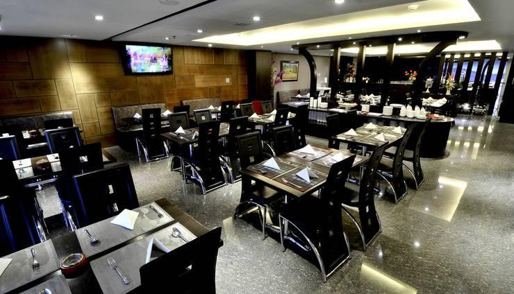Continent Centrepoint Panakkukang - restaurant