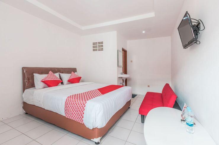 OYO 947 Angel Home Stay Bekasi - Bedroom
