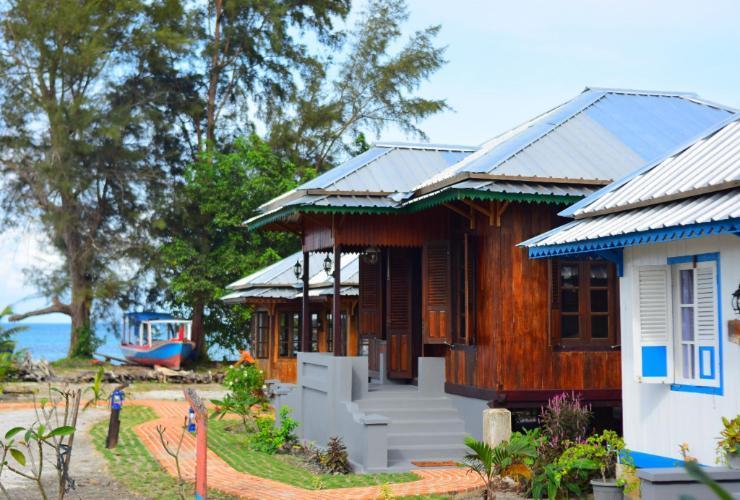 Rock and Wreck Dive resort Belitung - building