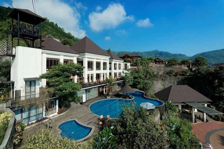 Jambuluwuk Convention Hall & Resort Batu Batu - Featured Image