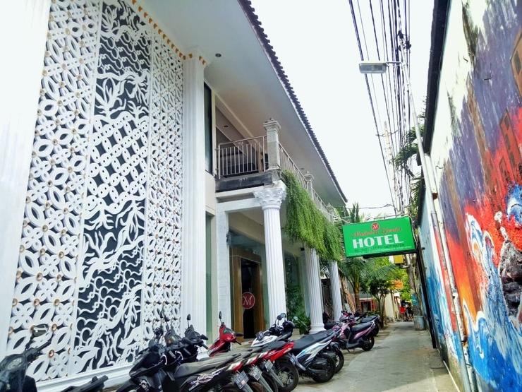 Malioboro Garden Hotel Yogyakarta - entrance
