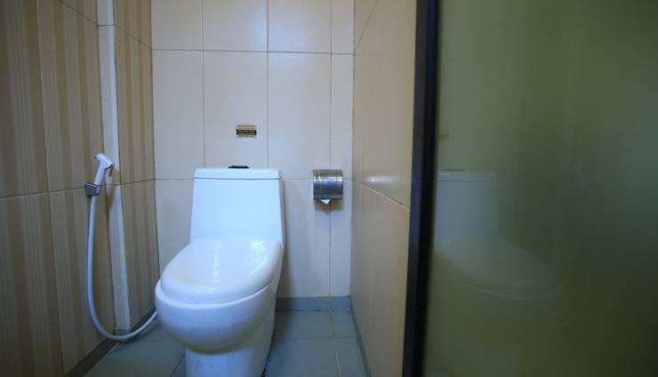 RedDoorz @Buni Sari Kuta Bali - Kamar mandi