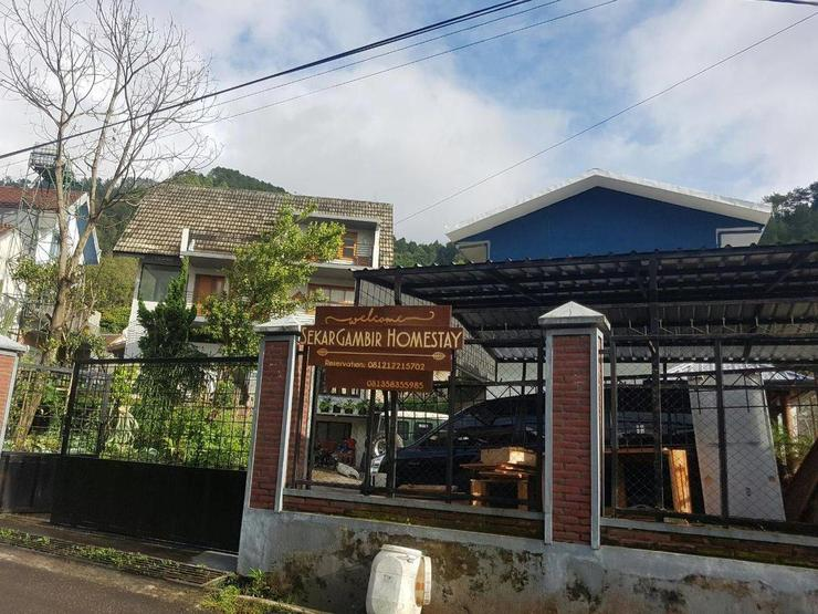 Sekar Gambir Homestay Malang - Exterior