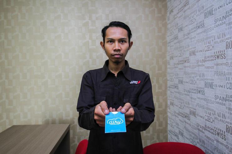 Airy Eco Syariah Kertomenanggal Sembilan 18 Surabaya - Receptionist