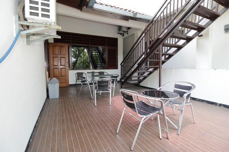 Airy Eco Syariah Kertomenanggal Sembilan 18 Surabaya - Balcony
