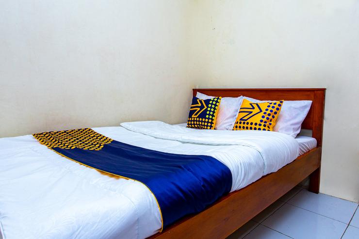 SPOT ON 2719 Homestay Rizqi Syariah Wonosobo - Bedroom Sp/D