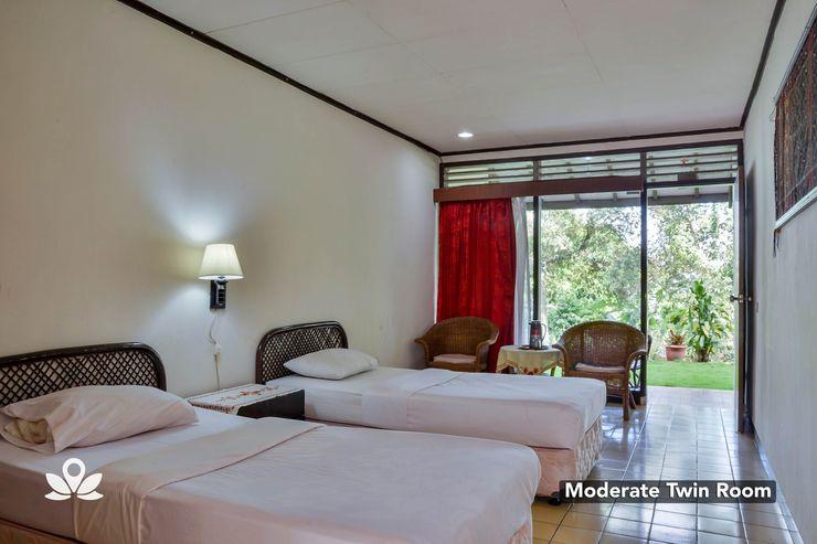 Silintong Hotel Danau Toba - Modern Twin Room