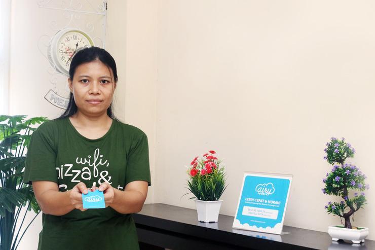 Airy Eco Karawaci Villa Permata Sari Dua A2 29 Tangerang - Receptionist