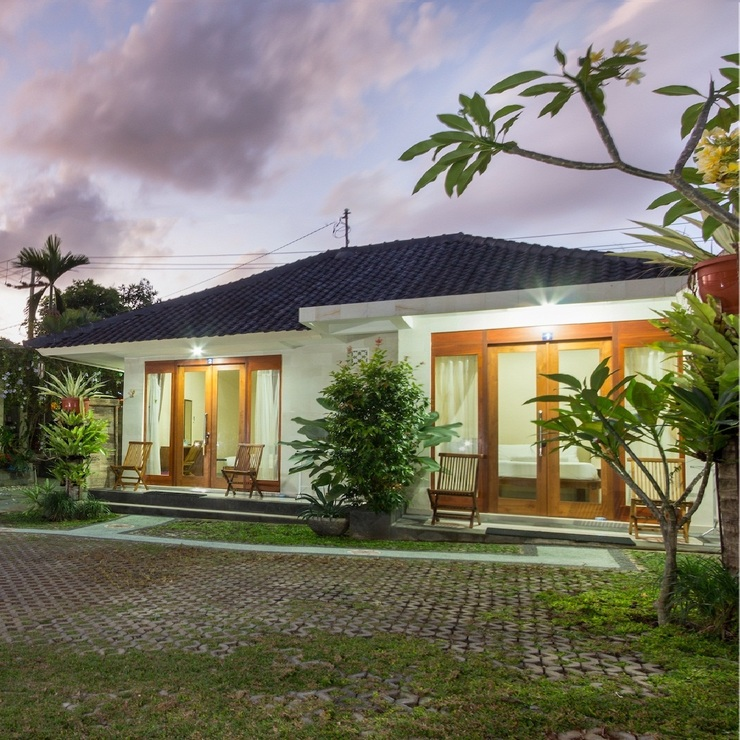 M.A Home Stay Bali - Facade