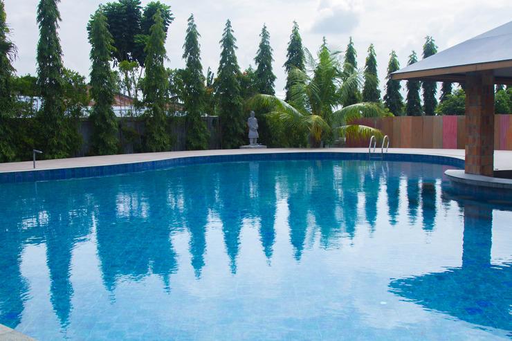 Thong's Inn Hotel Kualanamu Deli Serdang - Kolam Renang