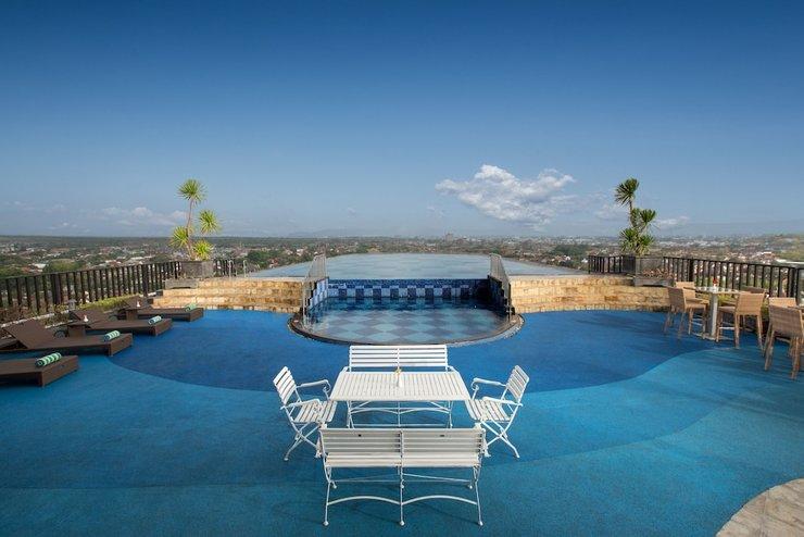 Indoluxe Hotel Yogyakarta - Outdoor Pool