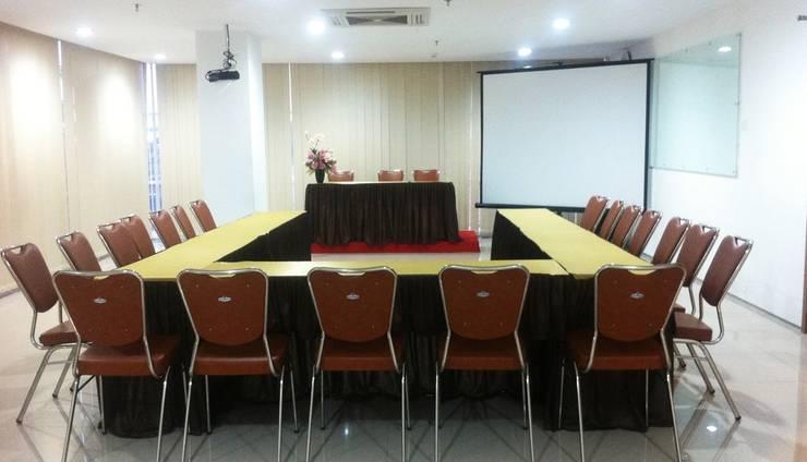 Evora Hotel Surabaya - Meeting Room