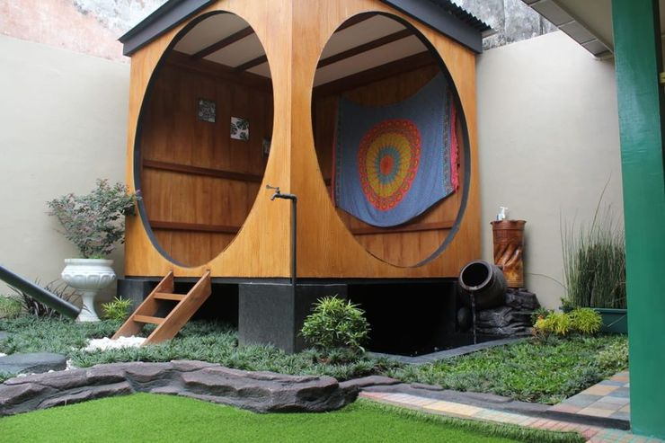 Omah Oma Vintage with 6 BR Malang - Exterior