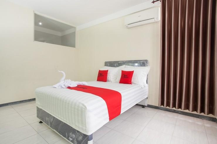 RedDoorz near Balaikota Among Tani Batu Malang - RD Room