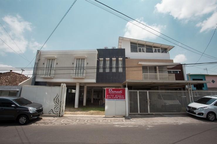 RedDoorz near Balaikota Among Tani Batu Malang - Exterior