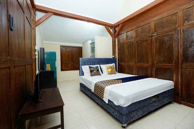 SPOT ON 2653 Omah Mbah Lurah Syariah Yogyakarta - Guestroom D