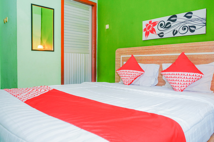 OYO 479 Casa Beach Hotel Belitung - standard double bedroom