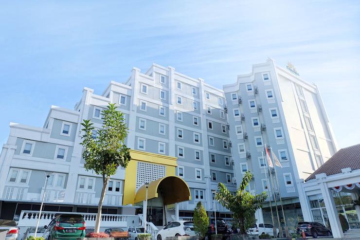 Pesonna Hotel Malioboro Yogyakarta Malioboro - Facade