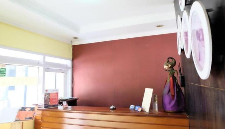 Puri Tomat Hotel Bandung - Reception