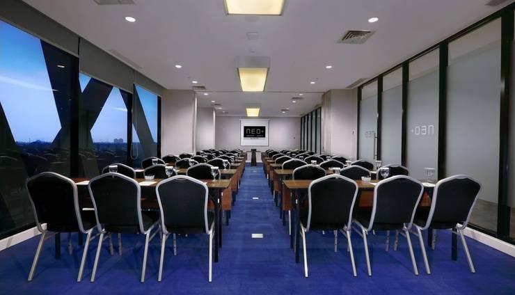 Hotel Neo+ Kebayoran Jakarta - Meeting room