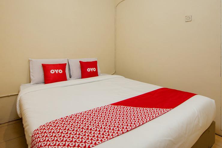 OYO 2045 Hotel 211 Danau Toba - Bedroom