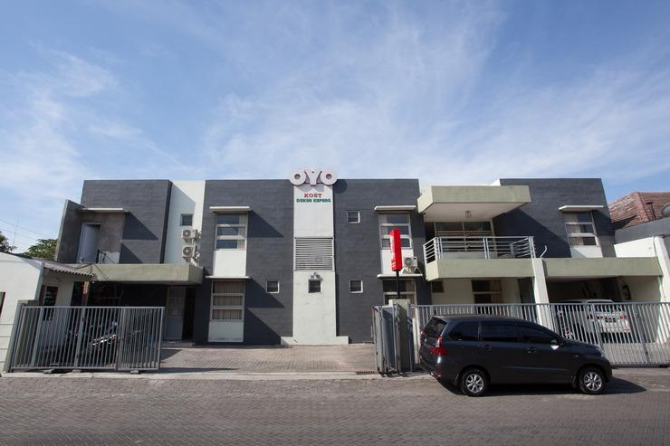 OYO 143 Dukuh Kupang Residence Surabaya - Facade