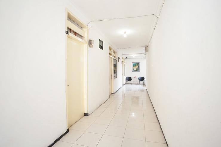 OYO 143 Dukuh Kupang Residence Surabaya - Lobby