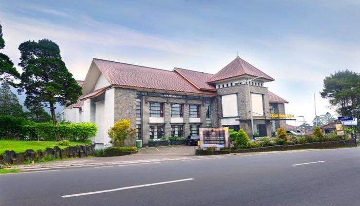 Hotel Bukit Indah Puncak Cianjur - Facade