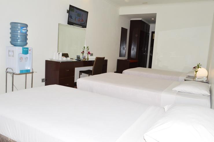 Hotel Bukit Indah Puncak Cianjur - Tiga Tempat Tidur