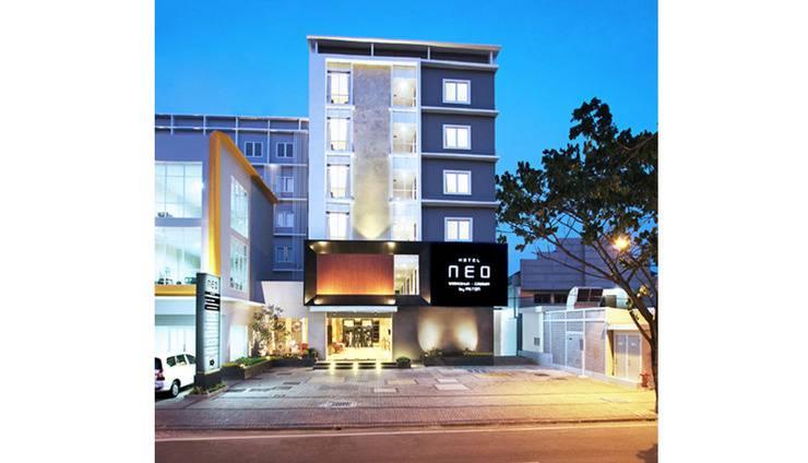 Hotel NEO Cirebon - Tampilan Luar Hotel