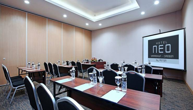 Hotel NEO Cirebon - Ruang Rapat