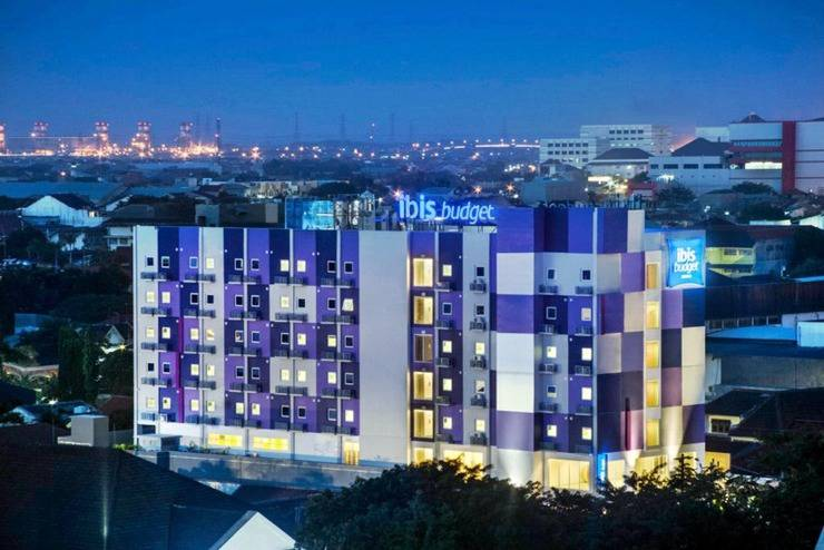 Ibis Budget  Semarang Tendean - Tampilan Luar Hotel