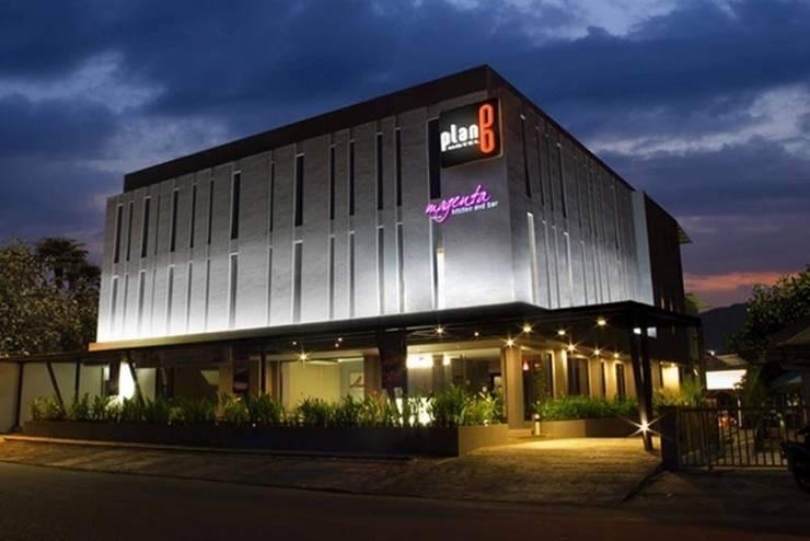 Plan B Hotel Padang - Tampilan Luar Hotel