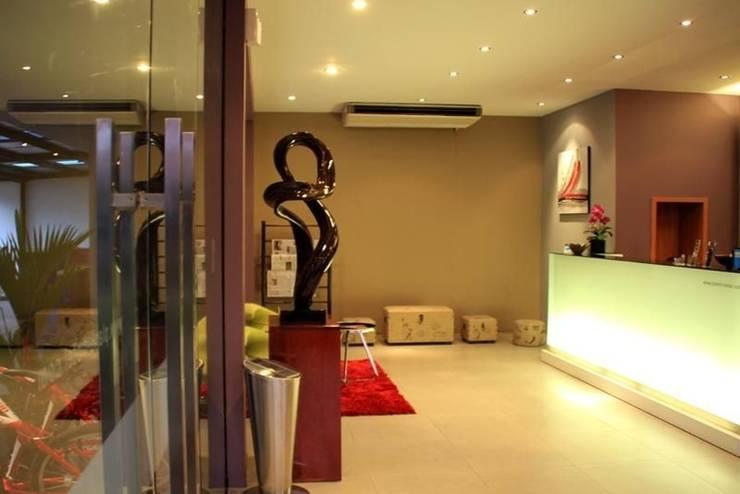 Plan B Hotel Padang - Resepsionis