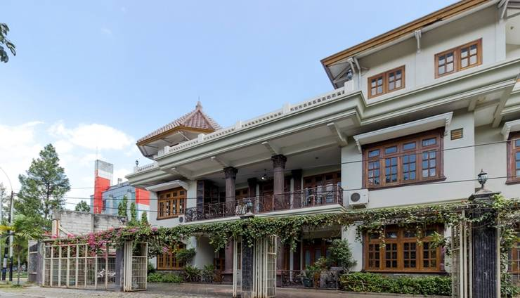 RedDoorz @ Taman Menteng Bintaro Tangerang Selatan -   exterior