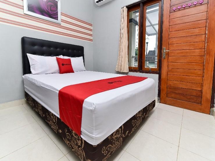 RedDoorz near Teuku Umar Barat Denpasar Bali - Guestroom