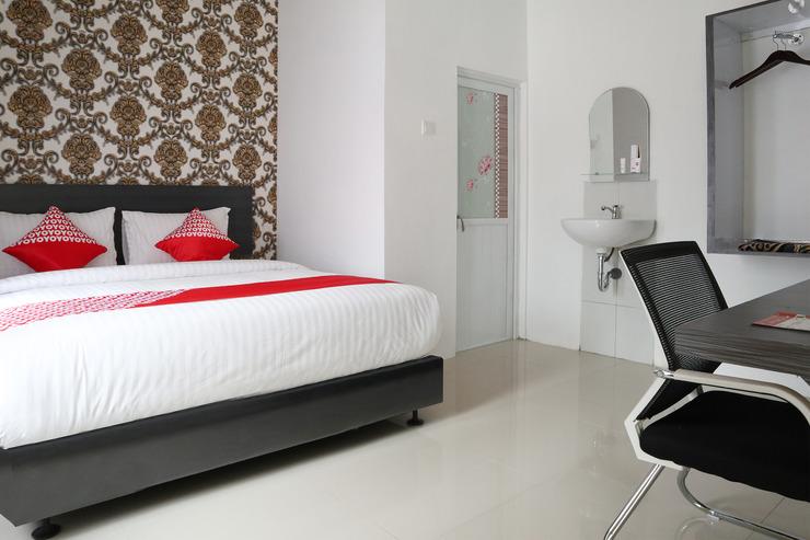 OYO 1185 Sachila Residence Syariah Padang - Bedroom S/D