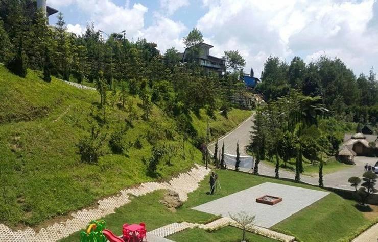 Villa Naisha Bandung - Eksterior