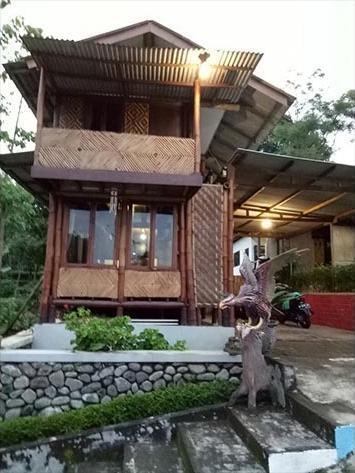 Guesthouse Kayuna Probolinggo - Facade