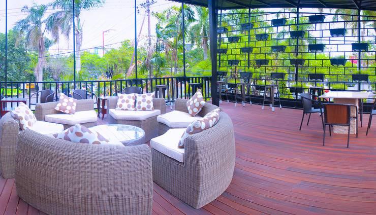Cendana Premiere Hotel by Lariz Surabaya - Restoran