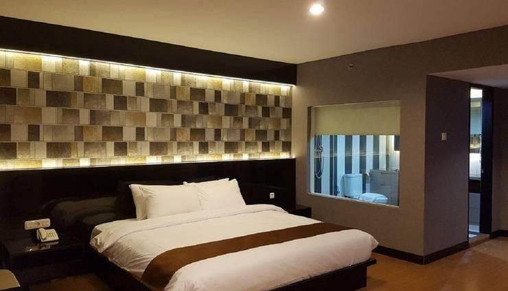 Cendana Premiere Hotel by Lariz Surabaya - Kamar Tamu