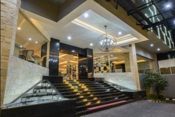 Cendana Premiere Hotel by Lariz Surabaya - Hotel Entrance