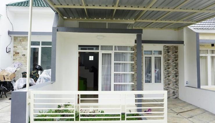 Villa Rizki Malang - Exterior