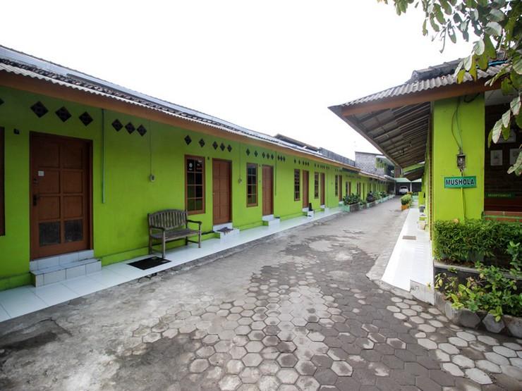 RedDoorz @ Jalan Parangtritis Yogyakarta - Bangunan Properti