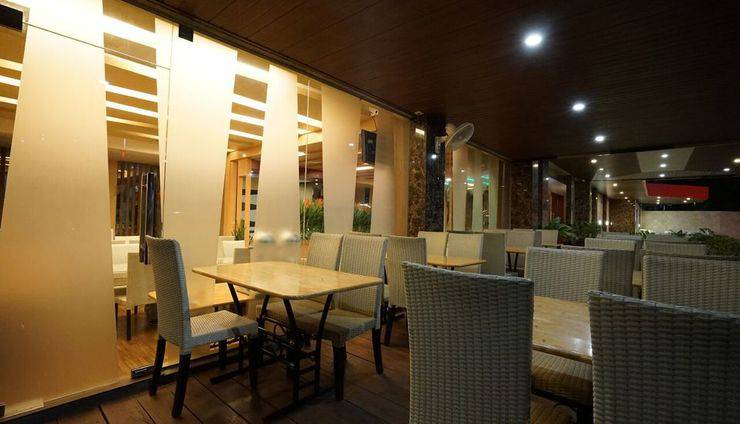 The L Hotel Entertainment Batam - Tosika