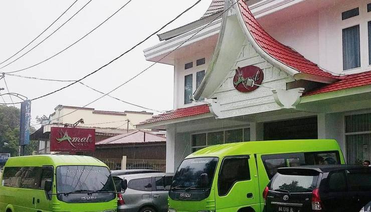 Amali Hotel Bukittinggi - Tampilan Luar Hotel